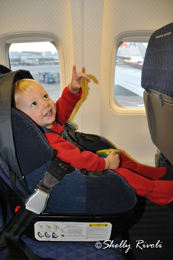 When Can Kids Safely Fly Without Car Seats On Airplanes Travels With Baby