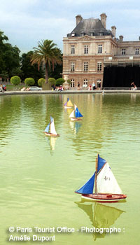 sailboats at Jardin Luxembourg
