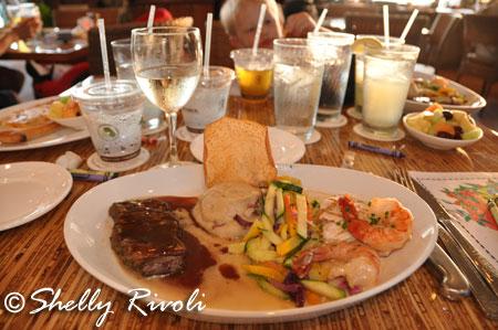 dinner at Napili Kai Sea House restuaurant