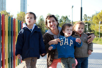 Buenos Aires mom Alej with kids